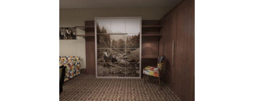 Pokój hotelowy z łóżkiem w szafie